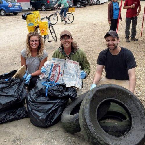 Blue Earth Project volunteering at Mankato Trashathon